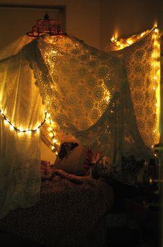 crochet blankets, sleepless nights, bed decor, dream, blanket forts, dorm rooms, light, bedroom, cozy beds