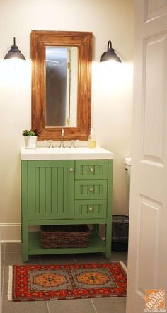 Don't be afraid to experiment with a colored vanity in your bathroom to compliment your decor! Click through to see more photos of this bathroom makeover. color vaniti, bathroom makeovers, small bathrooms