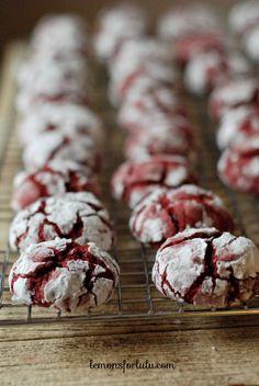 Chocolate Chip Red Velvet Crinkle Cookies! www.lemonsforlulu.com