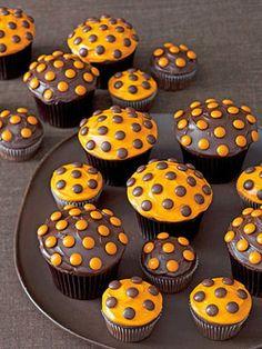 polka-dot halloween cupcakes