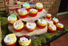 Love these SEVEN DWARF CUPCAKES from a Snow White themed birthday party with Such Fun Ideas via Kara's Party Ideas | Cake, decor, cupcakes, games and more! KarasPartyIdeas.com #snowwhiteparty #snowwhite #cucakes #disneyprincessparty #partyideas