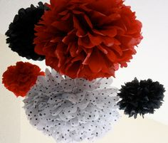 polka dots, mickey mouse, tissu paper, birthday parties, paper pom poms