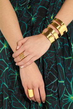 Hervé Van der Straeten|Geometrie hammered gold-plated cuff|NET-A-PORTER.COM