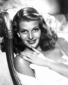hand, rita hayworth, hollywood actress, beds, beauty marks