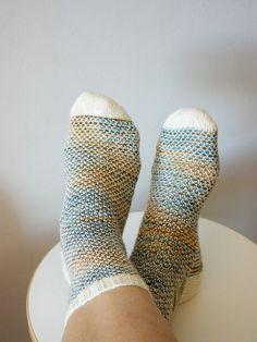 broken seed stitch socks. Interesting look