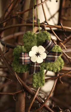 lucky felt shamrock brooch/ornament st. patrick's day decoration