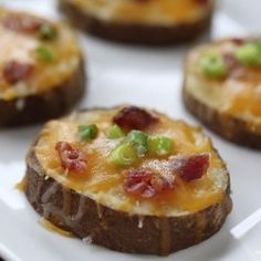 Easy potato skins recipe from @Jalyn {iheartnaptime.net}