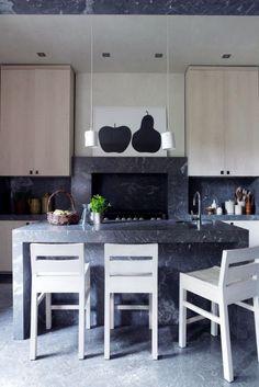 Modern marble kitchen//