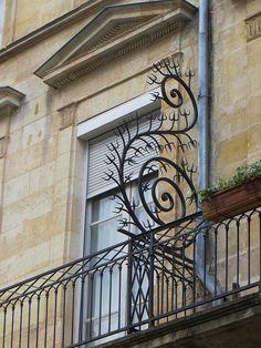 "Ferronerie de balcon dite ""garde-cocu"", Cours de l'Intendance"