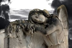 Cemetery statue so beautiful.