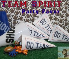 Lady Behind The Curtain - Team Spirit Party Favor