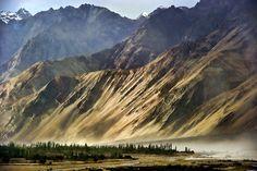 Nubra Valley, Ladakh, Leh, India  (by alex hanoko)