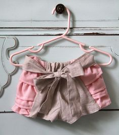 sew ruffled baby bloomers