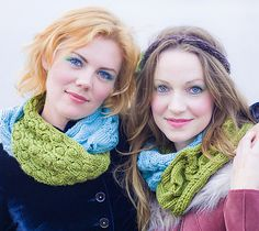 Ravelry: BFF Cowl pattern by Ysolda Teague & tiny owl knits