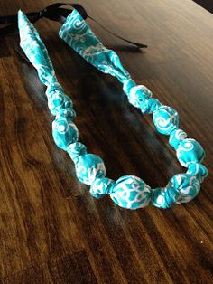 10 Minute Teething necklace