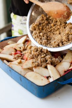 white peach crisp with a brown butter crumble