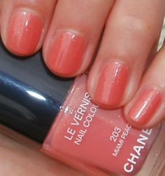 pretty spring and summer nail color. Miami Peach