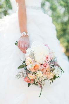 Photography: Rachel Solomon Photography - www.rachel-solomon.com/  Read More: http://www.stylemepretty.com/2014/10/15/vintage-blush-and-gold-arizona-wedding/