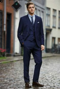 Skinny Navy Blue Suit | My Dress Tip