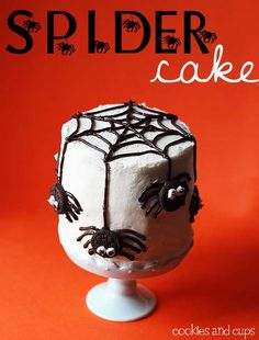 What a fun Spider Cake~ Love the oreo spiders!