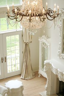 Two drapes tied together, what a great idea.