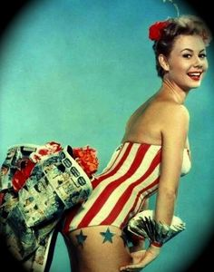 Mitzi Gaynor lookin' cute as a button. #USA #America #Vintage