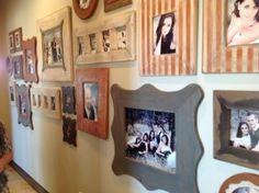 decor, art galleri, art frames, framesinhallwayjpg 25921936, galleri wall, photo galleries, galleri idea, hallway art, famili art