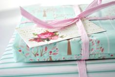wrap gifts, giftwrap, gift wrapping, paper, wrapping gifts, diy gifts, handmade gifts, vintage roses, birthday gifts