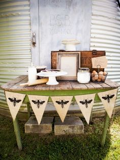 burlap banner, bee theme, parties, country weddings, buntings, southern charm, farm style, honey bees, banners