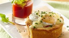 eggs benedict biscuit cups with bloody mary shooters eggs, cups, egg benedict, mari shooter, biscuit cup, bloodi mari, recip, biscuits, benedict biscuit