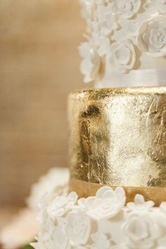gold wedding cake detail, photo by Dabble Me This http://ruffledblog.com/elegant-parisian-styled-wedding #cakes #gold #wedding