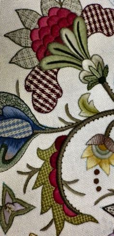 Jacobean style embroidery / #crewel