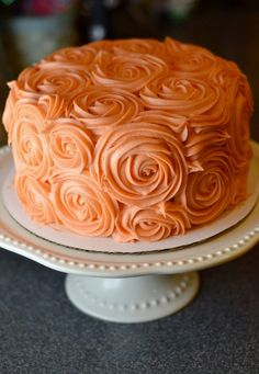 Rose cake can be done in any color - MEL Everything's coming up roses - a fall themed wedding cake could incorporate flavours like pumpkin spice, carrot cake and apple.
