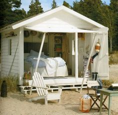 cabin, beach cottages, writing table, beach houses, beach huts