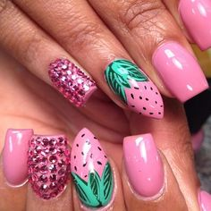 queen-of-nails-fabulous-strawberry-nail-art-instagram-photo
