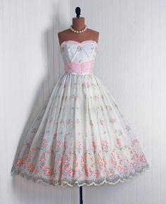 Sweet Vintage Chiffon Pink Roses Party Dress #retro #vintage #feminine #classic #beauty #fashion #dress