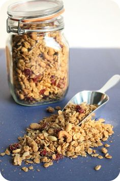 vegan peanut butter and cranberry granola