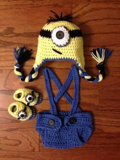 Crochet NB through 12 mos Dispicable Me Minion outfit, minion hat, diaper cover, suspenders and minion booties photography prop on Etsy, $33.00