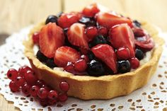 Easy Berry Tart #recipe. A deliciously lighter dessert for Valentine's Day.
