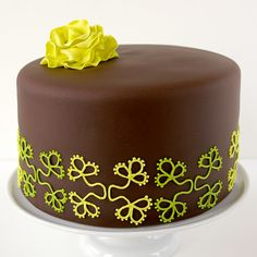 chocolate shamrock cake for St. Patrick's Day