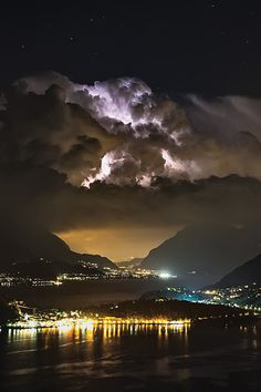 Lightning above lake of Como (Italy)  by Clickalps .com