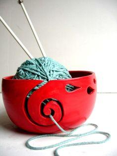 Yarn bowl @Sarah Chintomby Chintomby Chintomby Chintomby Gerdes, #knit #knitting #crochet
