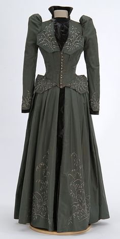 Wedding Dress 1890's, American, Made of silk and velvet