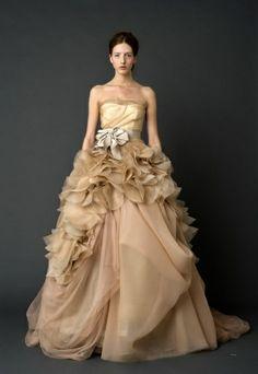 vera wang, wedding dressses, gold weddings, princess sophia, spring summer, dress wedding, gown, vintage inspired wedding, bride