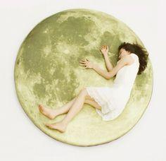 A full moon floor mattress