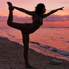 Yoga on the beach: bucket list.