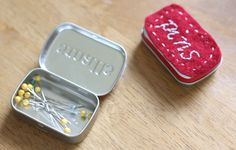 Magnetized pin holders (tin and bowl) quilt, diari, magnet pin, tea rose, magnet travel, guest post, box, pin holder, altoids tins