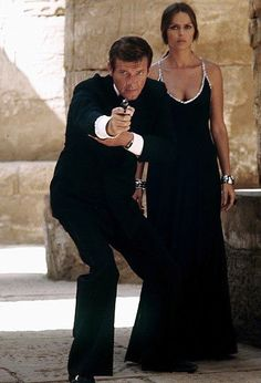 The Spy Who Loved Me (1977): Roger MOORE (James Bond) & Barbara Bach (Anya Amasova)
