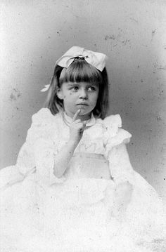 A young Eleanor Roosevelt (1899)