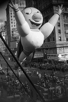 Vivian Maier, New York (Macy's Parade Balloon) 1955, Gelatin silver, printed 2011, edition 1/15